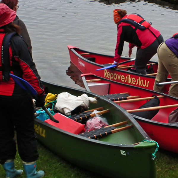 Guided paddling trip near Verla village