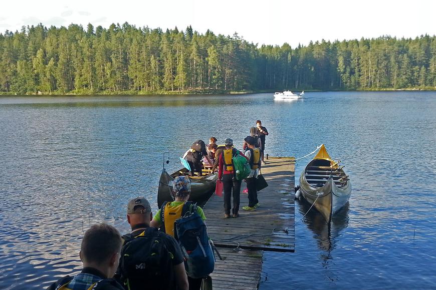 Repoveden kansallispuistoon saa toisenlaisen näkemyksen vesitse. Tällöin selviää, miksi paikasta on tullut kansallispuisto.